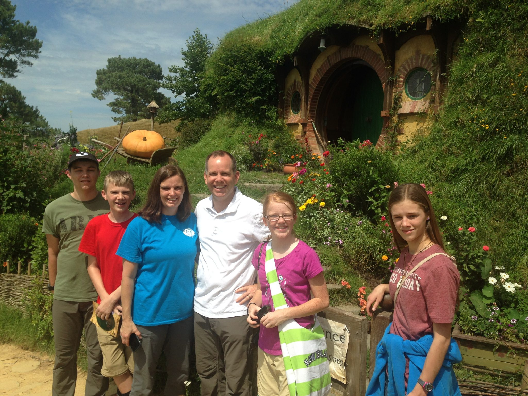 Bilbo Baggin's hobbit hole in the Shire, Hobbiton Movie Set, New Zealand.